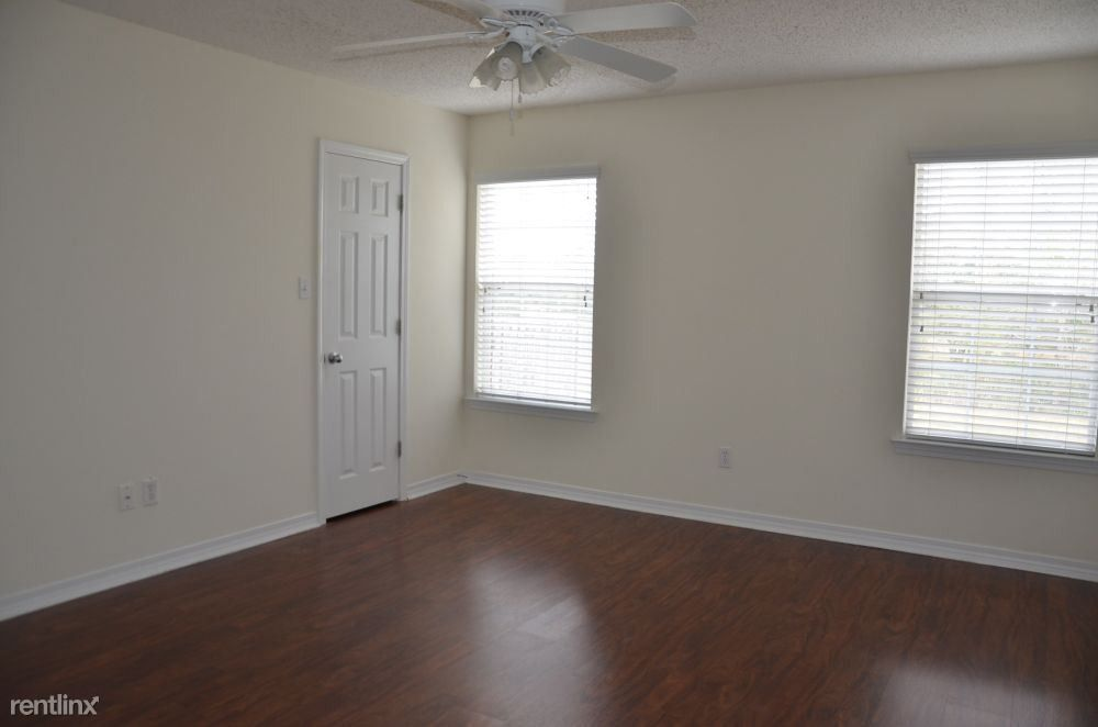 15165 Cedar Springs Dr, Biloxi, MS 39532