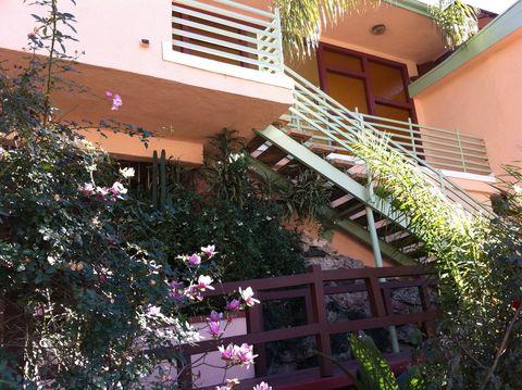 Photo of 2255 N Cahuenga Blvd, Los Angeles, CA 90068