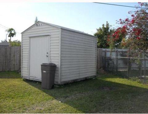 Photo of 20600 Sw 114th Ct, Miami, FL 33189