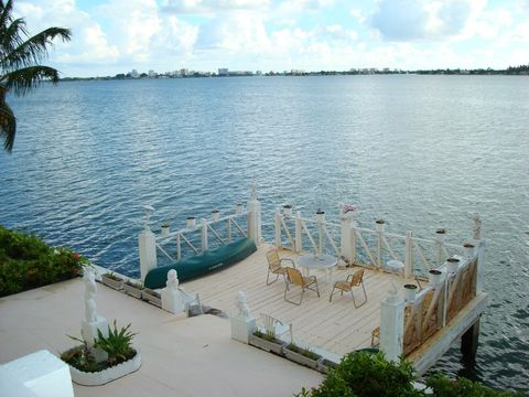 Photo of 7941 East Dr, North Bay Village, FL 33141