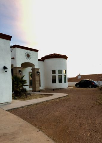 Photo of 307 Valley View Dr, Rio Rico, AZ 85648