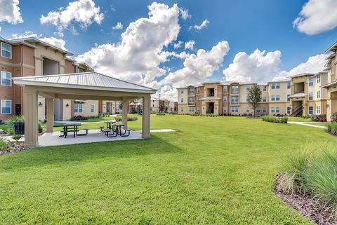 Photo of 4480 Foothill Dr, Kissimmee, FL 34746
