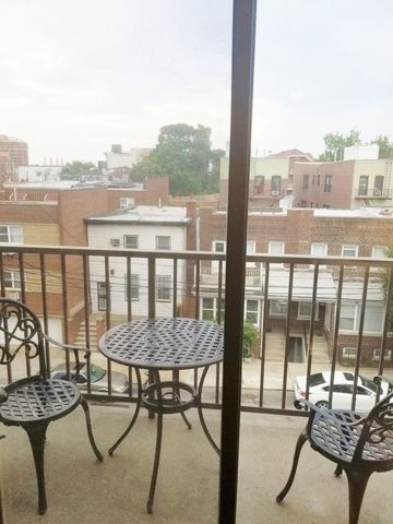 Photo of 31-16 28th Rd Apt 4 F, Astoria, NY 11102