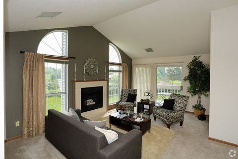 Photo of 790 Lakeview Dr, Brookfield, WI 53045