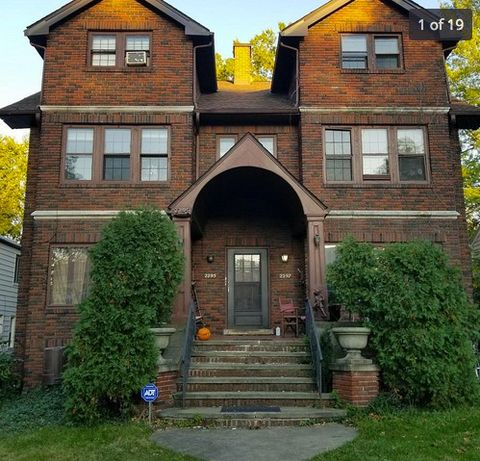 Photo of 2295 S Overlook Rd, Cleveland Heights, OH 44106
