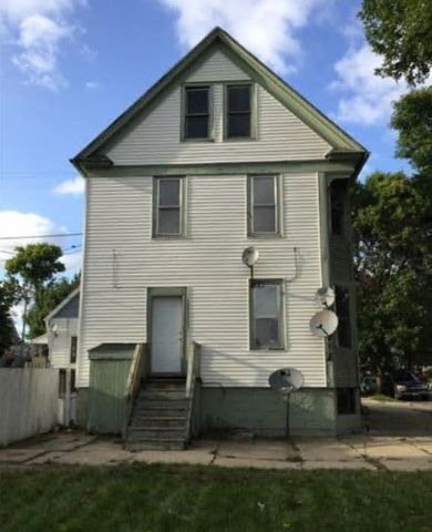Photo of 1327 S 19th St, Milwaukee, WI 53204