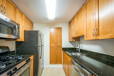 Photo of 236 Independence Dr # 1 A, Chestnut Hill, MA 02467