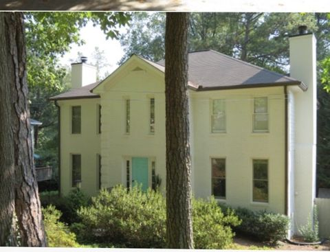 Photo of 789 N Parkwood Rd, Decatur, GA 30030