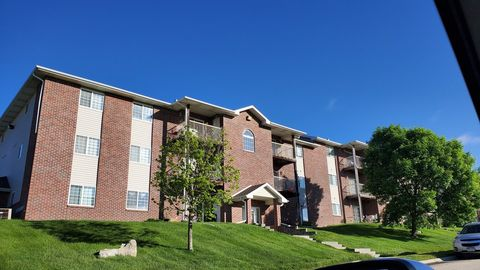 Photo of 1602-1604 Grandview Ave, Papillion, NE 68046