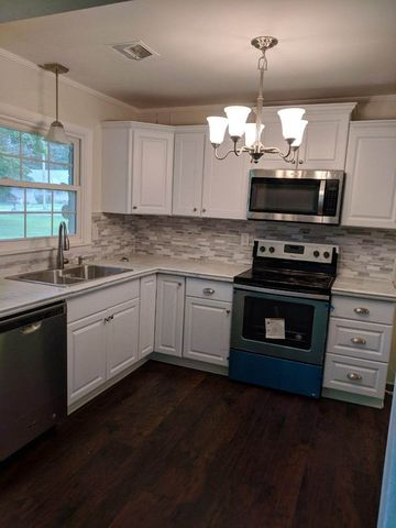 Photo of 1206 Shady Bedroom W/ Private 1/2 Bath Ln # 1, Manchester, TN 37355