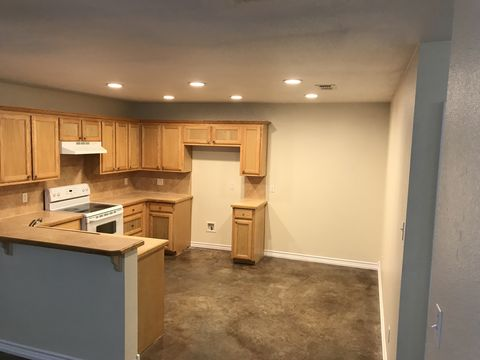 Photo of 714 Houston St Unit B, Pottsboro, TX 75076