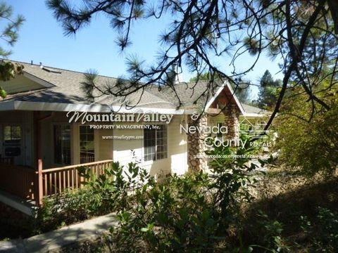 10460 Oak Springs Rd, Penn Valley, CA 95946