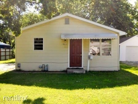 Photo of 2024 N Columbia Ave, Springfield, MO 65803