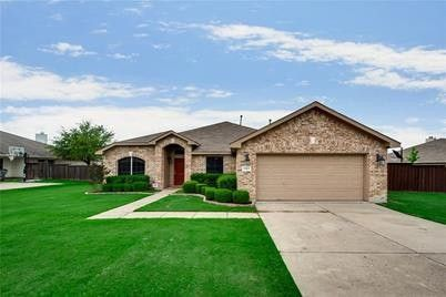 Photo of 1103 Windsor Ln, Forney, TX 75126