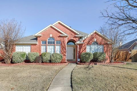 Photo of 10816 Ambergate Ln, Frisco, TX 75035