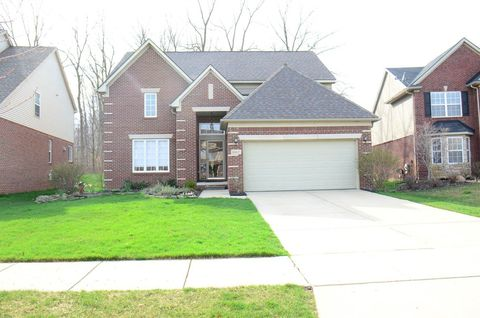 Photo of 16467 Westminister Dr, Northville, MI 48168