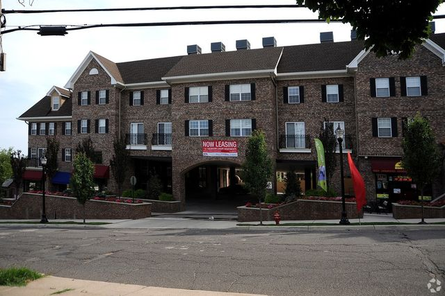 271 E Bradford Ave Cedar Grove Nj 07009 Home For Rent