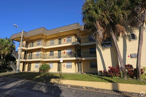 Photo of 105 Sunnyside Rd, Temple Terrace, FL 33617