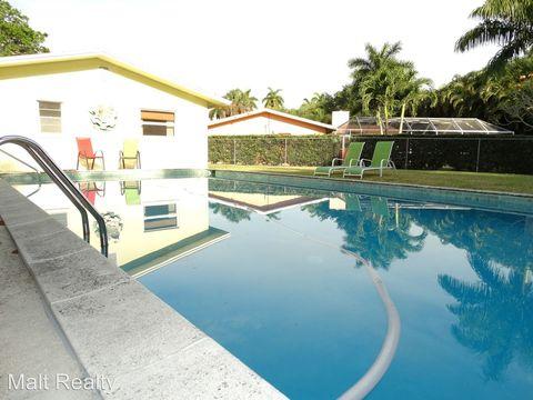 1425 San Roberto Cir, Fort Myers, FL 33901