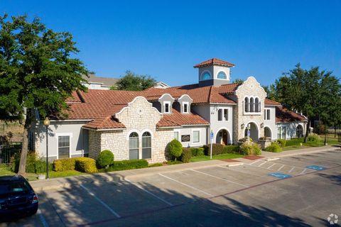 Photo of 3303 Southern Oaks Blvd, Dallas, TX 75216