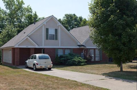 Photo of 100 Crimson Creek Dr, Elizabethtown, KY 42701