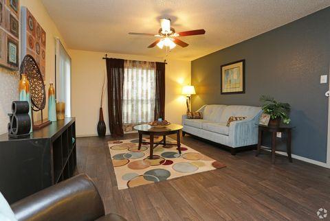 Photo of 1721 E Frankford Rd, Carrollton, TX 75007