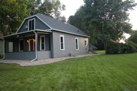 Photo of 733 S 3rd Ave, Sioux Falls, SD 57104