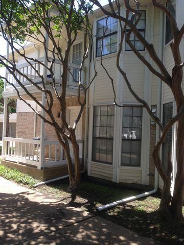 Photo of 821 Pavillion St Apt 102, Dallas, TX 75204