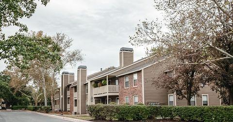 Photo of 3124 Woodview Ridge Dr, Kansas City, KS 66103