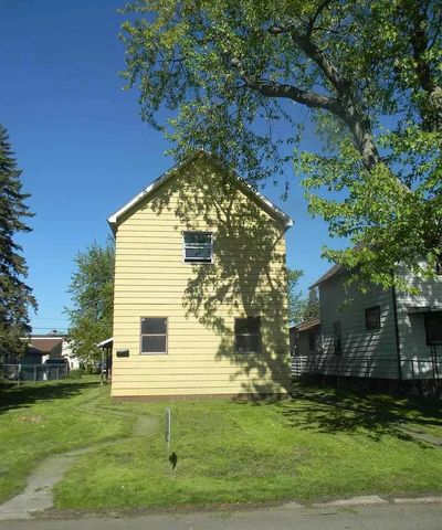Photo of 1613 Iowa Ave # 2, Superior, WI 54880
