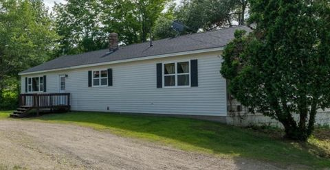 Photo of 587 Wiscasset Rd, Pittston, ME 04345