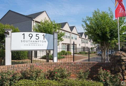 Photo of 1951 Southampton Rd, College Park, GA 30349