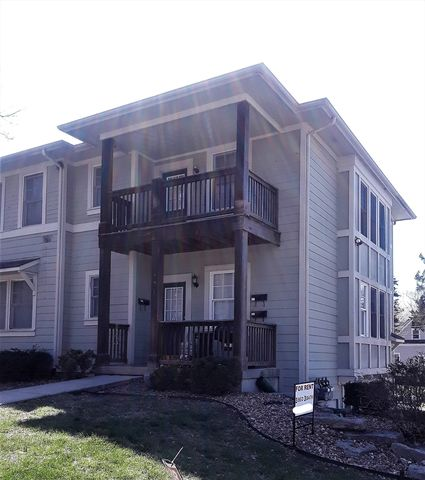 Photo of 1001 Mississippi St Apt B, Lawrence, KS 66044