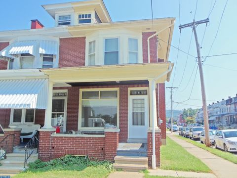Photo of 31 Angelica St, Reading, PA 19611