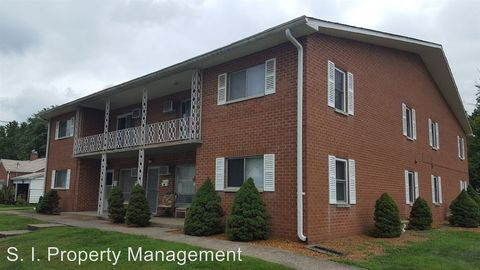 Photo of 510 S Madison St, Marion, IL 62959