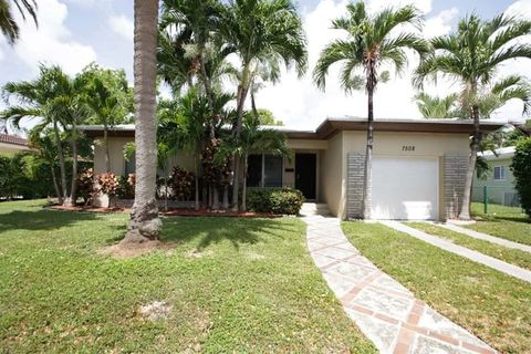 Photo of 7508 Jewel Ave, North Bay Village, FL 33141