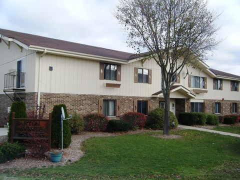 Photo of 2105-2113 Barton Ave, West Bend, WI 53090