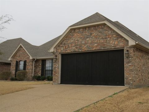 Photo of 429 Spyglass Dr, Willow Park, TX 76008