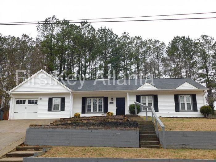 155 Riverchase Dr, Woodstock, GA 30188