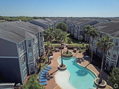 Photo of 16112 North Fwy, Houston, TX 77090
