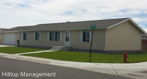 915 Cliff Ave, Riverton, WY 82501