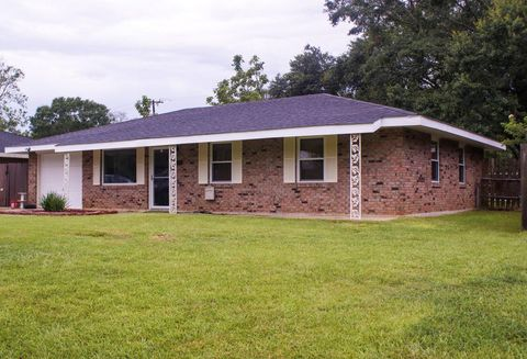 Photo of 1306 Harvard Dr, Deridder, LA 70634