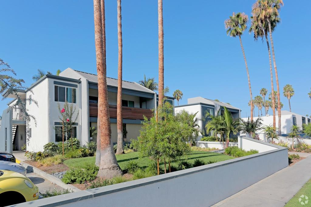 Beverly Plaza Apartments