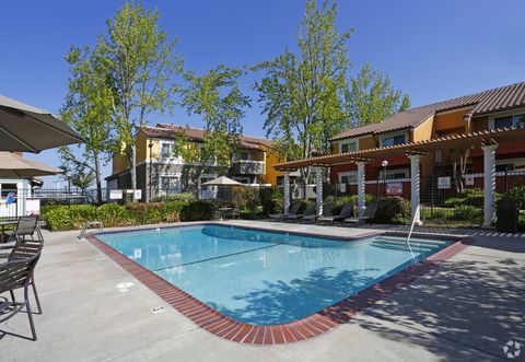 2811 Mc Kee Rd, San Jose, CA 95127