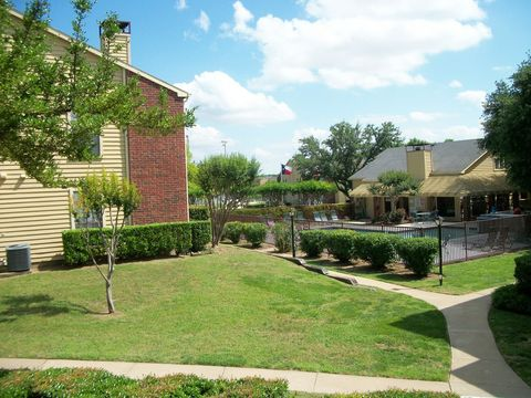 Photo of 600 S Graves St, McKinney, TX 75069