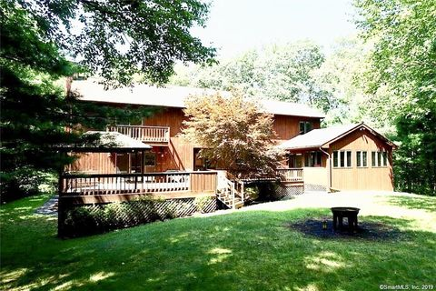 Photo of 421 Riley Mountain Rd, Coventry, CT 06238