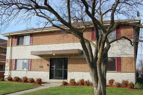 Photo of 5779-5781 S Packard Ave, Cudahy, WI 53110