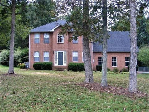 Photo of 4004 Dell Dr, Mount Juliet, TN 37122