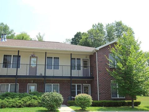 5200 Plank Rd, Waterford, NY 12188