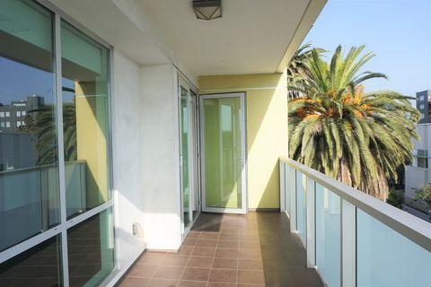 Photo of 525 Santa Monica Blvd, Santa Monica, CA 90401